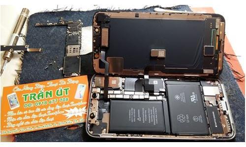 Sửa iPhone bị liệt cảm ứng, sọc màn hình